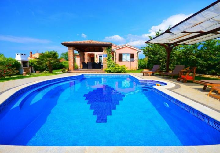 Beautiful villa with a pool near Porec, surrounded by vineyards and olive groves