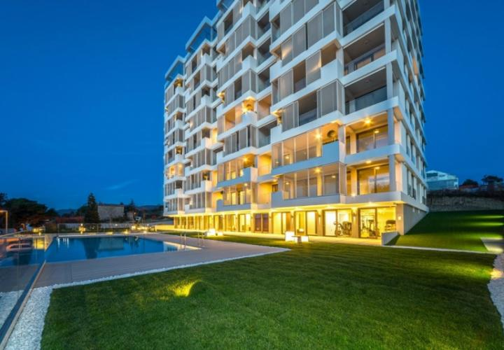 Rare re-sale apartment in Beletage waterfront luxury complex