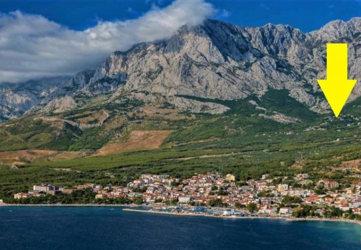 House in the mountains over Baska Voda with sea view