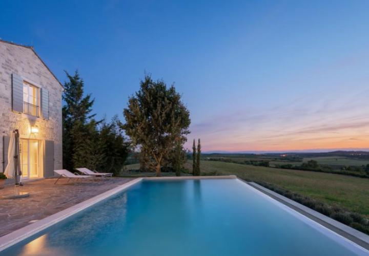 Outstading newly built villa with eye-opening design and beautiful panorama