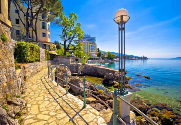 Two hotels for sale on Opatija riviera in a package - 86 rooms in total