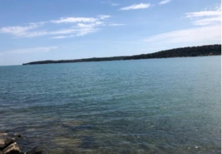 Waterfront land plot for hotel and restaurant in Novigrad area