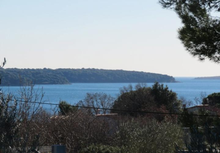 Lovely house for sale in Pomer with sea view