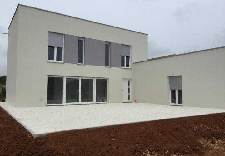 New villa for sale in Vodnjan area, fair price
