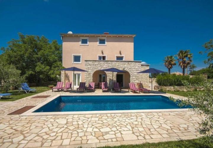 Charming villa with swimming pool in Motovun area