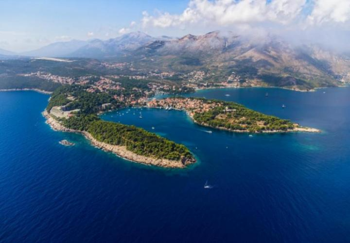 Huge land plot for sale in Cavtat just 100 meters from the sea