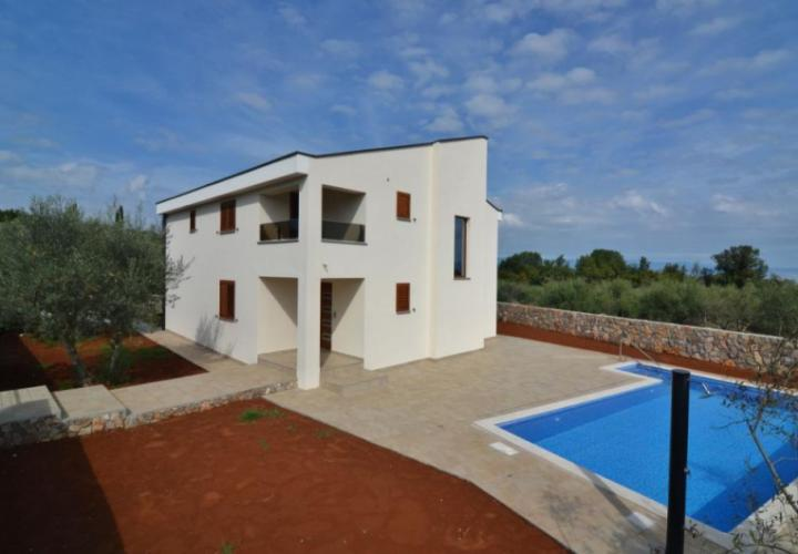New villa with pool and sea view, Malinska