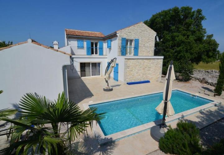 New stone house with pool in quiet location, Malinska