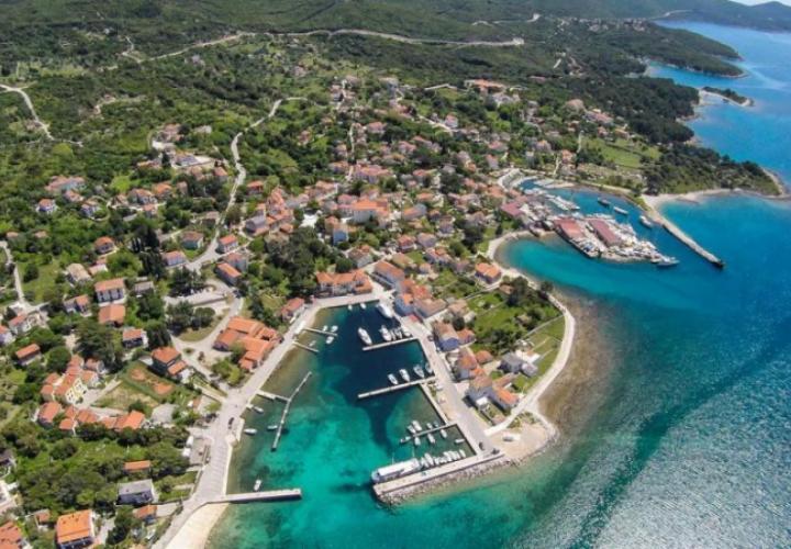 Urbanized land plot for sale in Nerezine for luxury villa