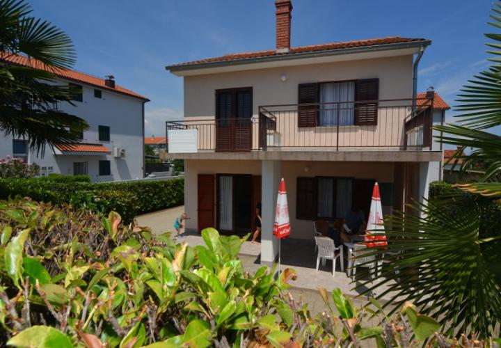 Detached house in quiet location, 300 m from the beach!