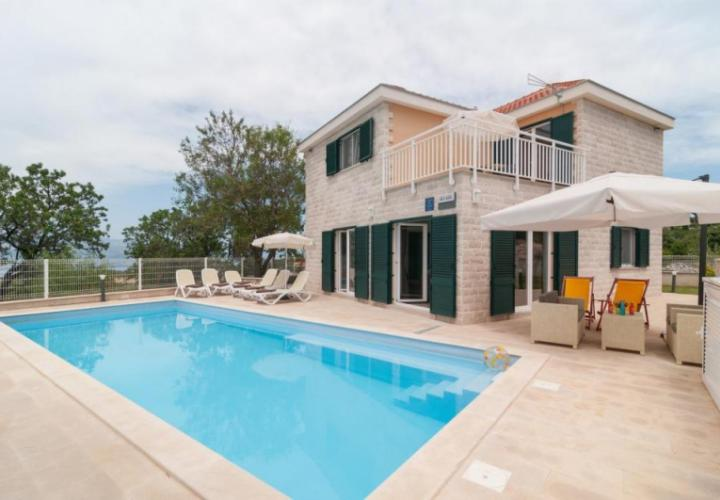Cosy villa with pool on Brac, made of famous Brac stone