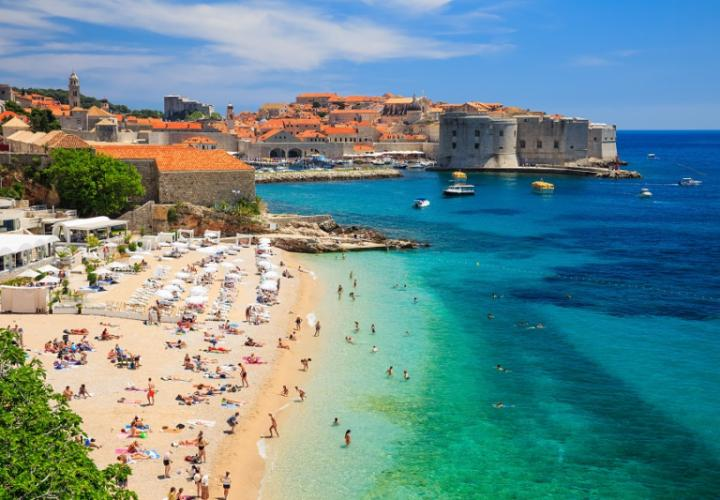 New hotel in Dubrovnik center for sale with 71 rooms