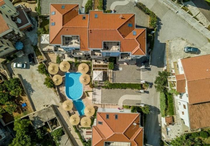 Продажа нескольких квартир на Чиово всего в 150 метрах от моря - элитный комплекс с бассейном.