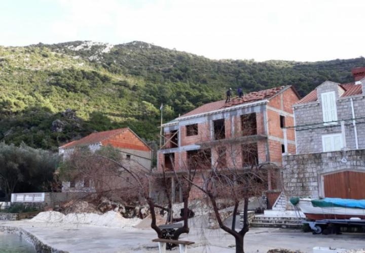Unique beachfront touristic property on Mljet island