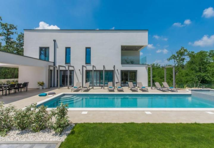Captivating beauty in the area of Porec with complete privacy guaranteed