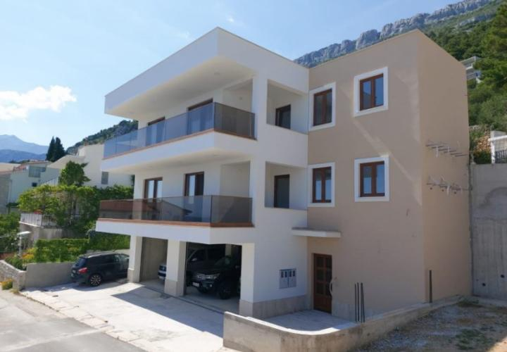 Newly built spacious house for sale in Pisak on a second row to the sea