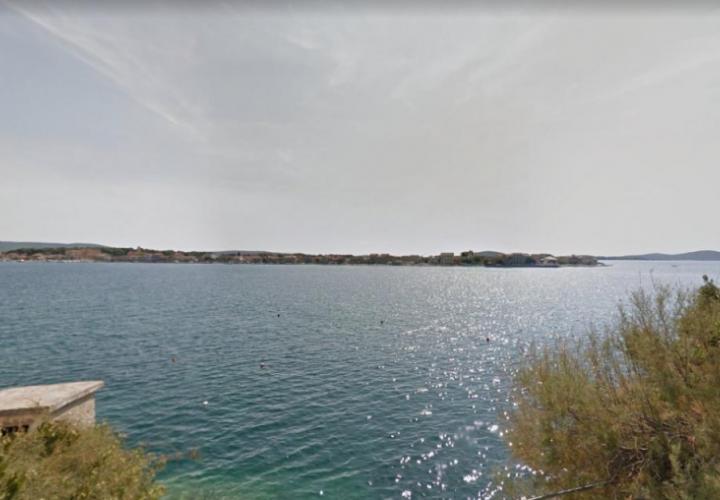 Продается земельный участок на первой линии в Бродарице