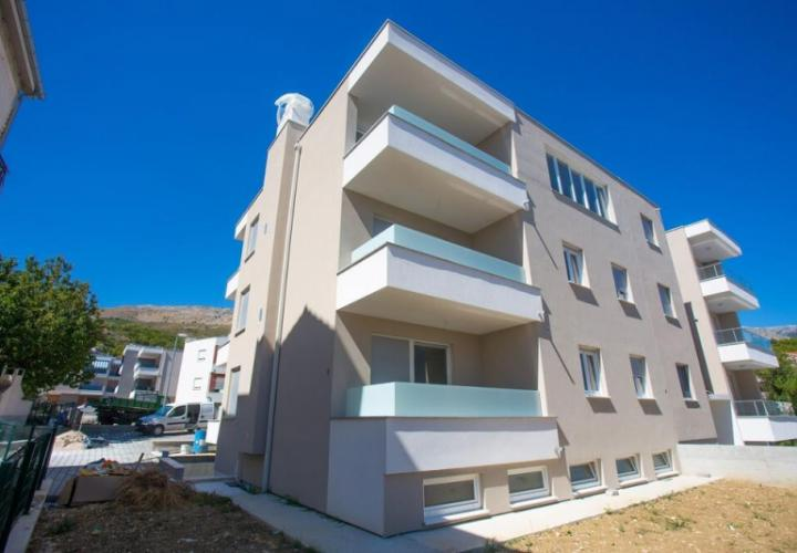 Brand-new residential building in the area of 5***** star hotel Meridien Lav