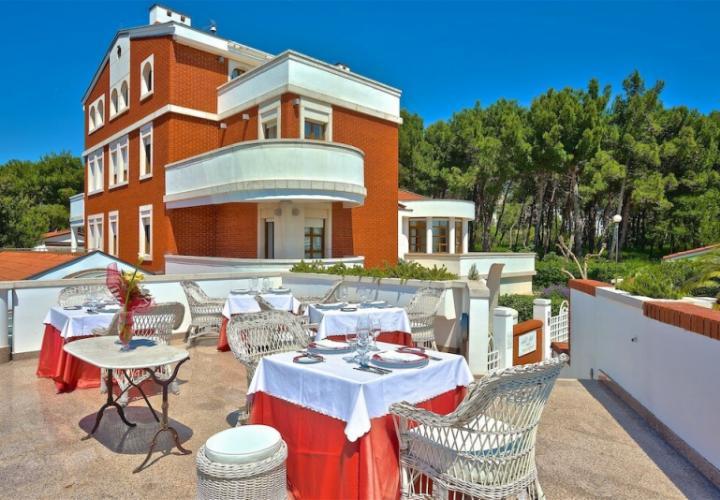 Роскошный 5-звездочный отель и ресторан на продажу в Истрии