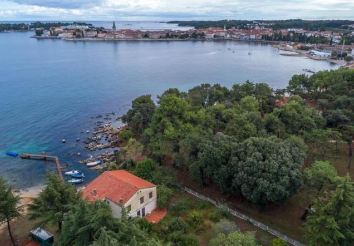 Magnificent waterfront property in Porec with the view of Old Town