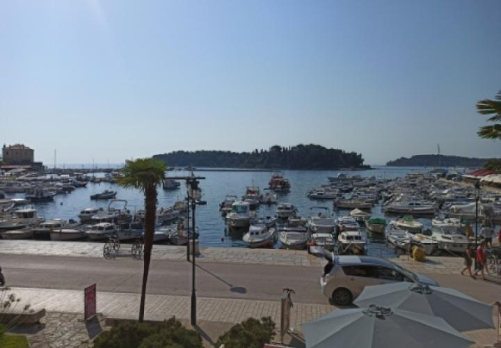 Unique first line apartment in Rovinj with direct sea view