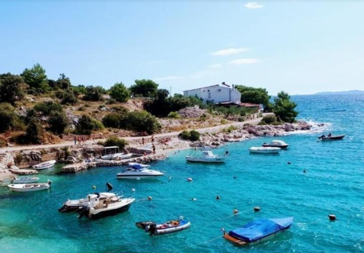 Unique land plot for sale in Primosten area on the first line to the sea