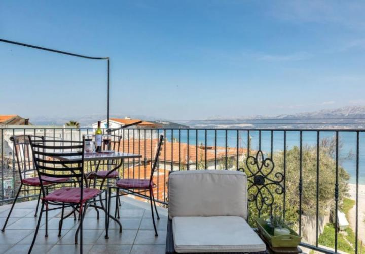 Astonishing villa on Ciovo (Slatine) just 30 m from the sea