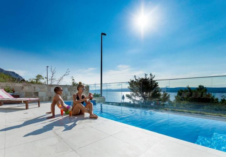 Exceptional 2-bedroom apartment in a luxury 4**** star complex on Omis riviera