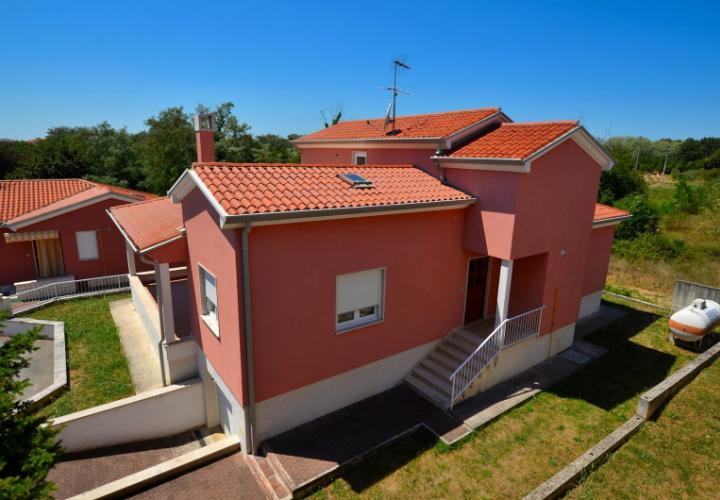 Great new house in Zambratija near Umag, just 500 meters from the sea