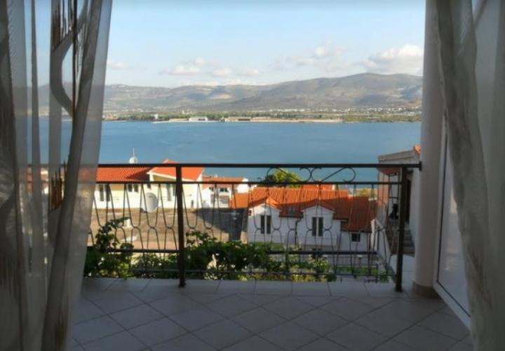 House of 5 apartments on Ciovo just 100 meters from the sea, Trogir area