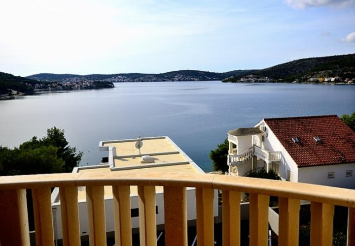 Rental apartment in Rogoznica by the sea