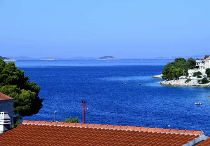 Cheap house with wonderful sea view just 30 m from the sea! Popular Rogoznica!