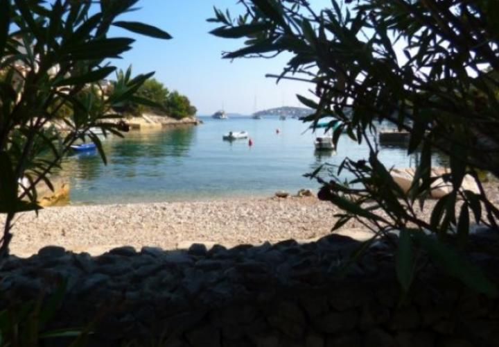 Rare beachfront villa on Ciovo near Trogir on a land plot of 2300 m2!