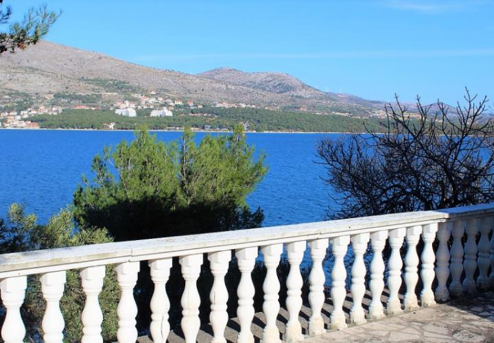 Excellent renovation property on Ciovo, close to Trogir, Croatia