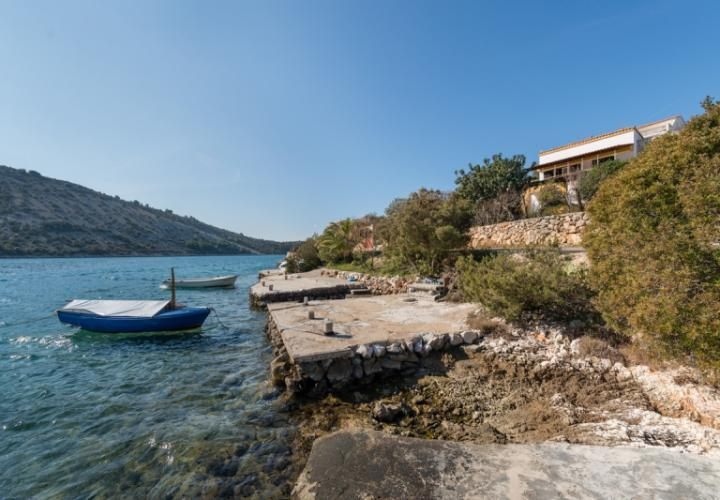 Seafront villa in peaceful fishermen's village of Vinisce, developing area between Trogir and Rogoznica