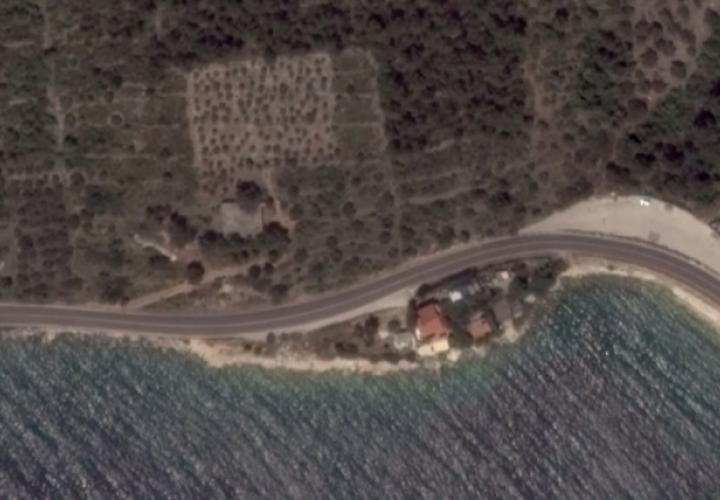 Complete isolation amidst of popular touristic area not far from Trogir - your only chance to build a villa of your dreams, great investment