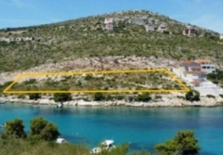 Astonishing seafront land plot in Primosten area for residential construction!