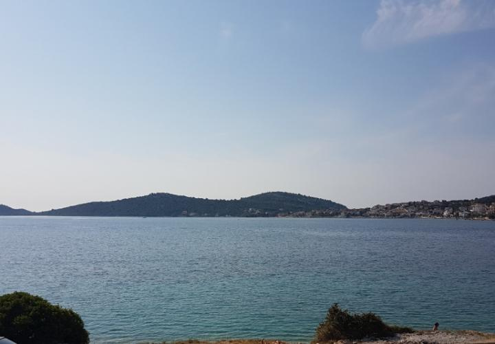 Wonderful plot of land on the FIRST LINE of the sea in the popular Rogoznica, Croatia