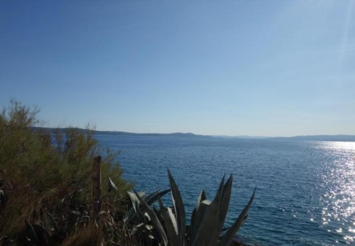 Waterfront house for renovation on Ciovo, Trogir