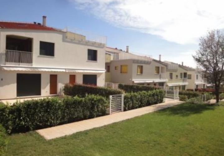 Nice residence of cosy apartments in Porec area