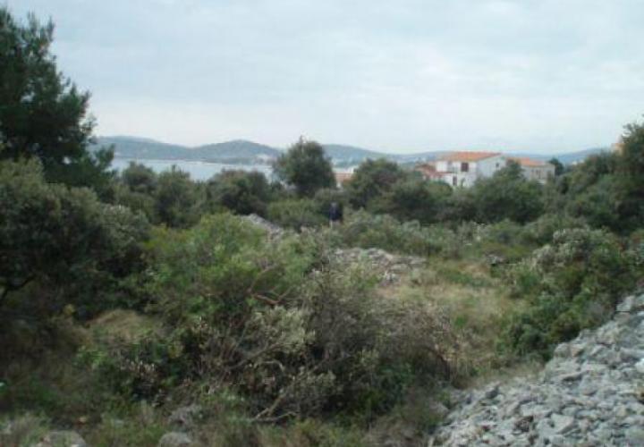 Construction land plot for sale in Rogoznica, Sibenik area