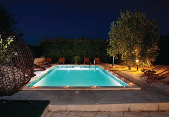 Villa with pool in Vodnjan area for slae, Pula, Istria