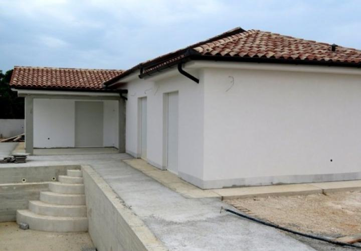 Ready-made villa with swimming pool in Pula area