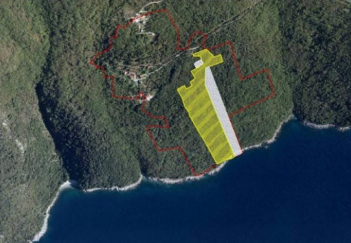 Waterfront land plot between Pula and Opatija of T1, T2 zoning