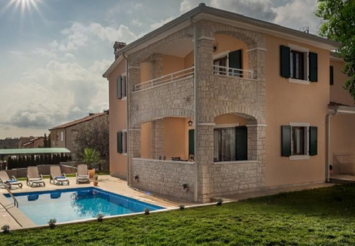 Villa with pool in Porec approx. 900 meters from the sea