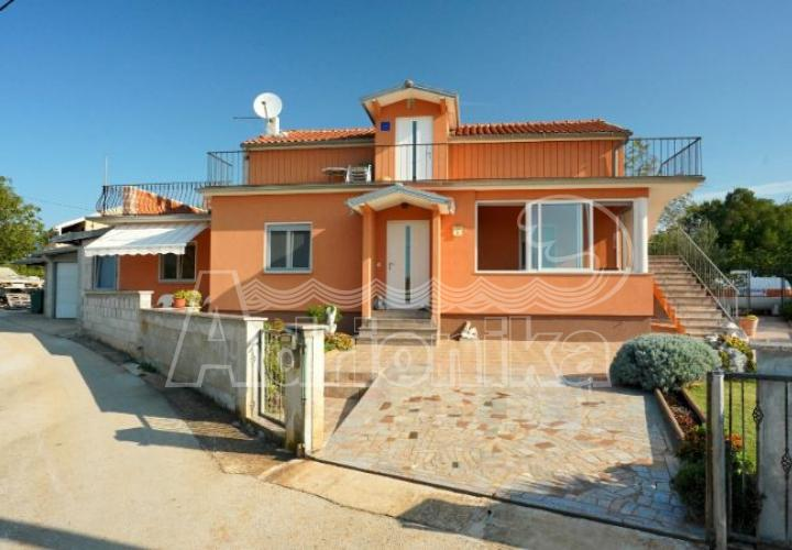 House with 2 apartments in the quiet rural area