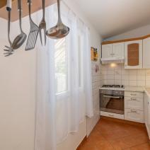 Вилла двухэтажного дома с бассейном в Порече, участок 1540 м2! - фото 6