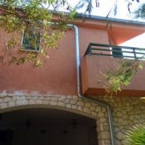 Rare beachfront villa on Ciovo near Trogir on a land plot of 2300 m2! - pic 2