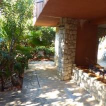Rare beachfront villa on Ciovo near Trogir on a land plot of 2300 m2! - pic 9