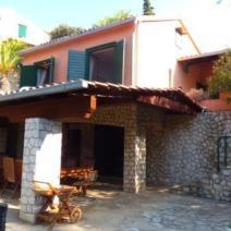 Rare beachfront villa on Ciovo near Trogir on a land plot of 2300 m2! - pic 10